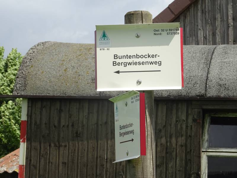 Buntenbocker Bergwiesenwanderweg Schild